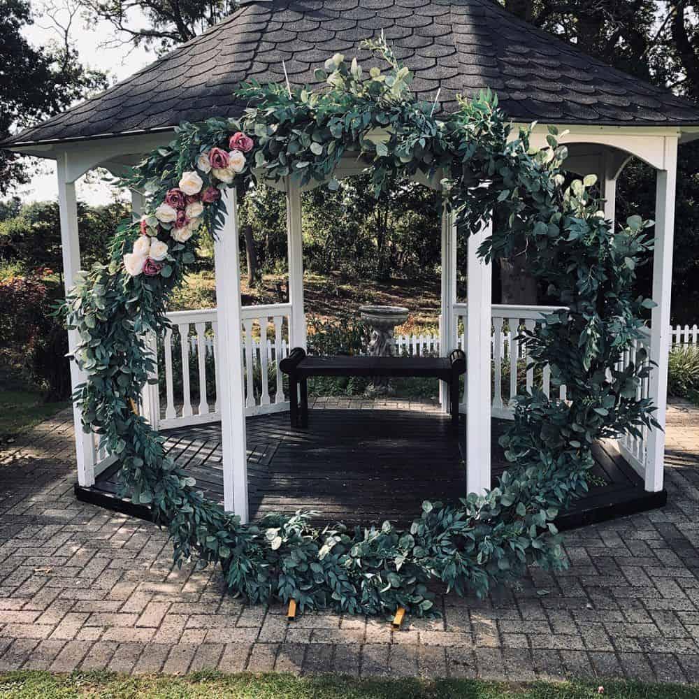 Wedding circle arch